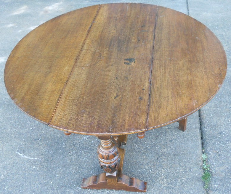 Round Oak Large Dropleaf Pedestal Dining Table To Seat Six   SOLD